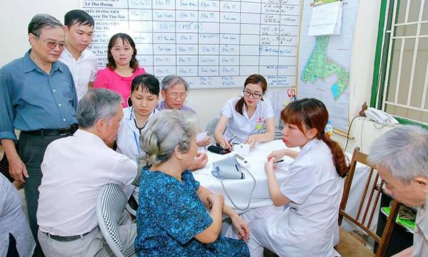 Thực trạng thiếu nhân lực chăm sóc người cao tuổi ở Việt Nam